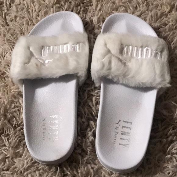 separation shoes b7eb4 f3c53 Rihanna Fenty White Faux Fur Slides